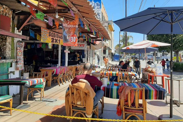 Disminuirán aforos y actividades en Baja California.